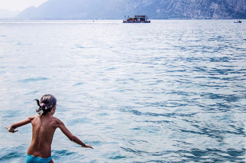 Il racconto dell'isola in mezzo al lago